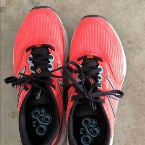 New balance running shoes 8